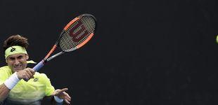 Post de El largo abrazo de Ferrer ante su verdugo o cómo se va despidiendo del tenis