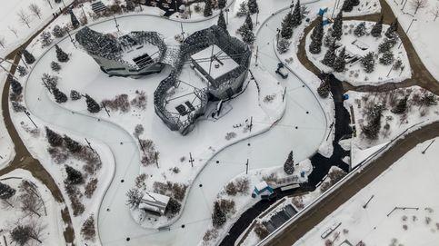 En el ojo de la pandemia y EEUU, en las garras de una tormenta de invierno: el día en fotos