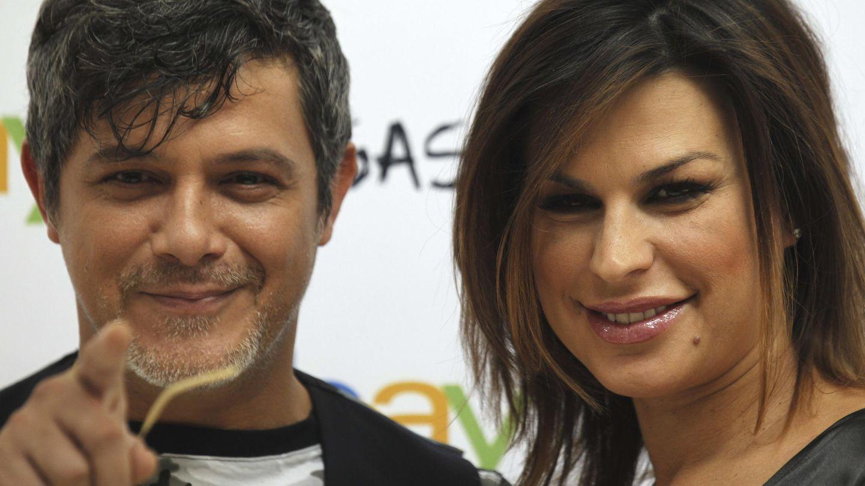 Alejandro Sanz y Raquel Perera en una imagen de archivo. (EFE)