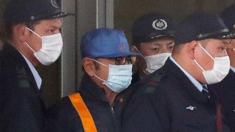 El ex presidente de Nissan, Carlos Ghosn, sale disfrazado de prisión tras pagar la fianza