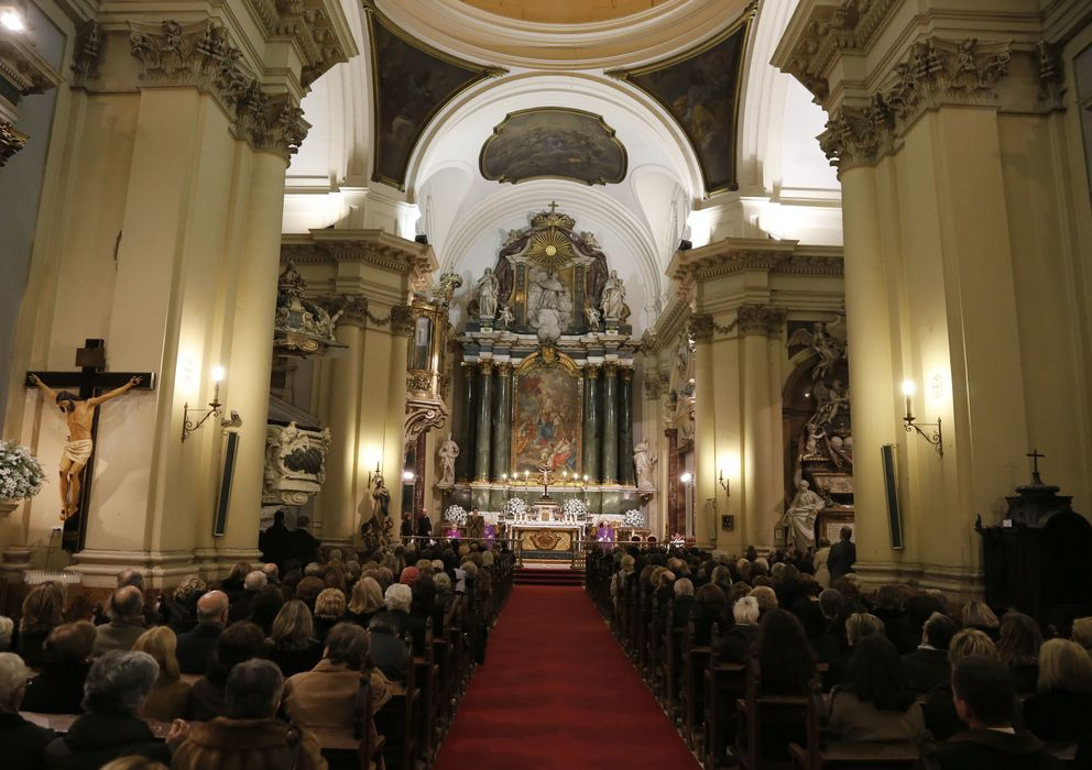 Foto: Interior de la parroquia de Santa Bárbara en Madrid (Gtres)