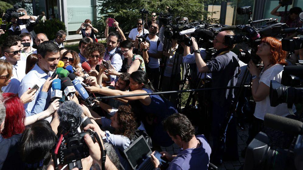 Foto: Pedro Sánchez hace declaraciones a la prensa. (EFE)