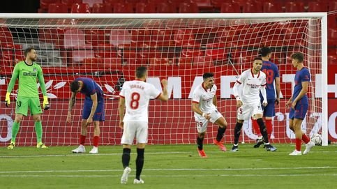 El Atlético se va a pique en Sevilla y malgasta el colchón de puntos acumulado (1-0)