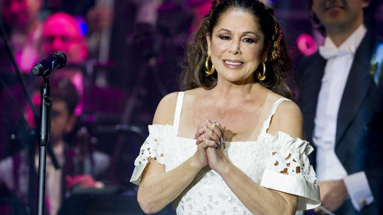 Isabel Pantoja, durante un concierto en Aranjuez. (Getty)