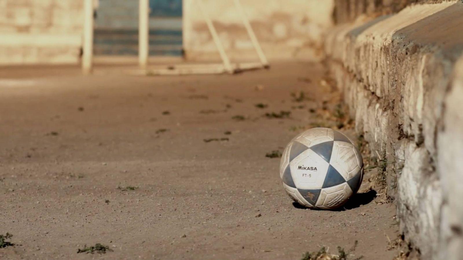Fútbol  Hemos preguntado a Mikasa por qué son tan duros sus balones  y ya  sabemos su secreto 8ec910f9d00e3
