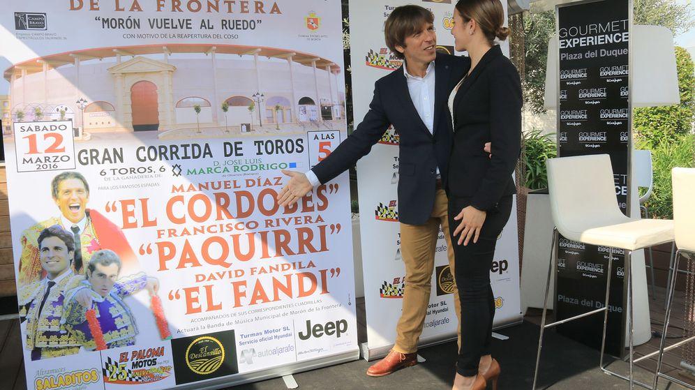 Foto: Manuel Díaz, el Cordobés, con su mujer, Virginia Troconis (Gtres)