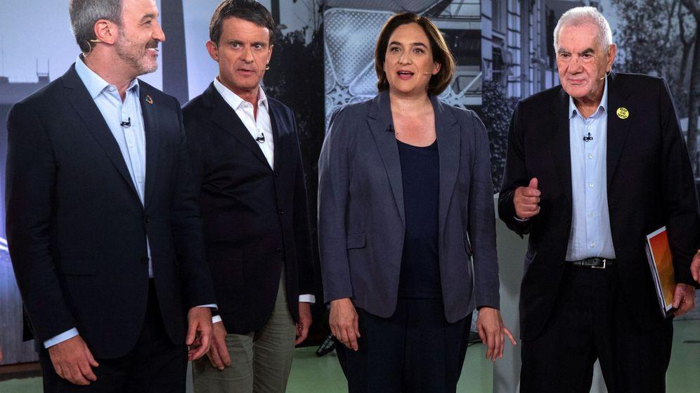 Foto: Jaume Collboni (PSC), Manuel Valls (BCN-Cs), Ada Colau (BeC) y Ernest Maragall (ERC), antes del debate de candidatos a la alcaldía de Barcelona. (EFE)