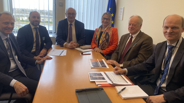 Reunión del comisario de Comercio, Phil Hogan, con los representantes de Ascer y la eurodiputada Inmaculada Rodríguez Piñero.