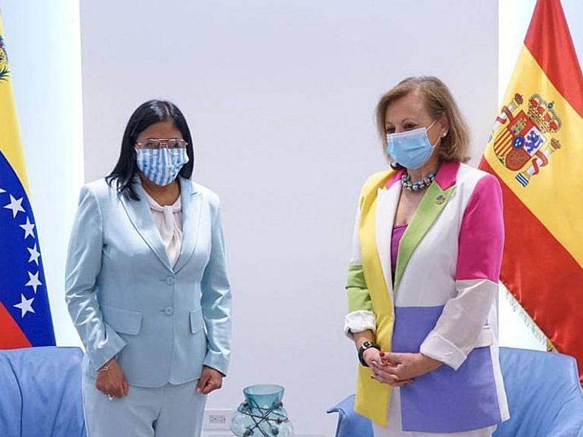 Foto: La vicepresidenta de Venezuela, Delcy Rodríguez (i), y la secretaria de Estado de Asuntos Exteriores de España, Cristina Gallach. (Gobierno de Venezuela)
