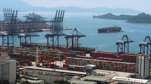 Los contagios en uno de los mayores puertos chinos provocan graves atascos de cargueros