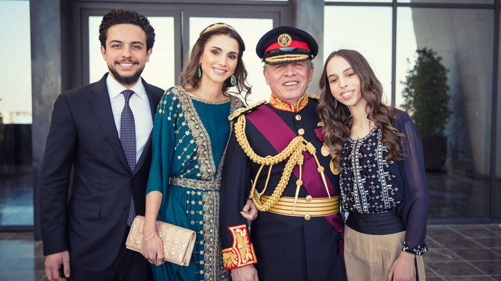 Foto: Abdalá y Rania, con sus hijos Hussein y Salma. (Getty)