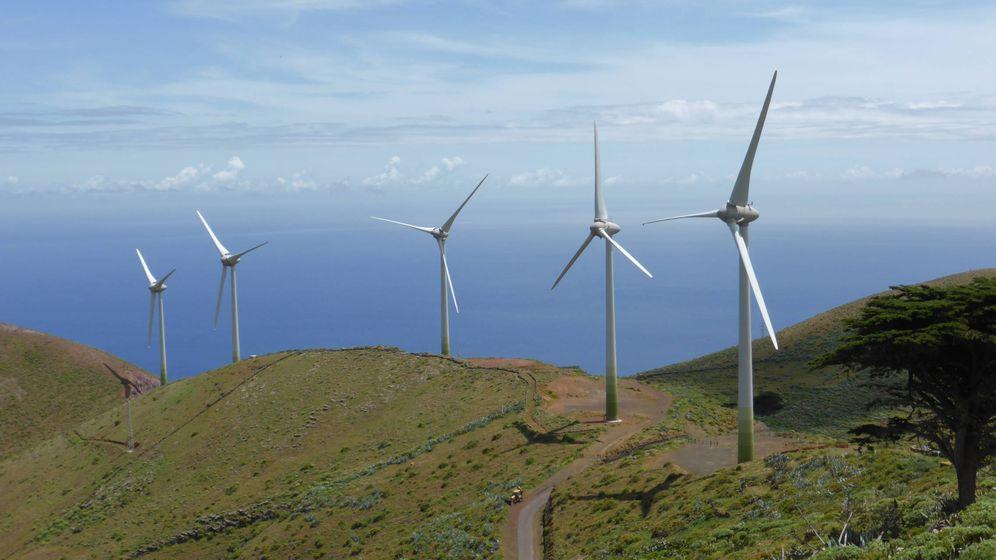 Foto: Parque eólico en la isla de El Hierro, en Canarias