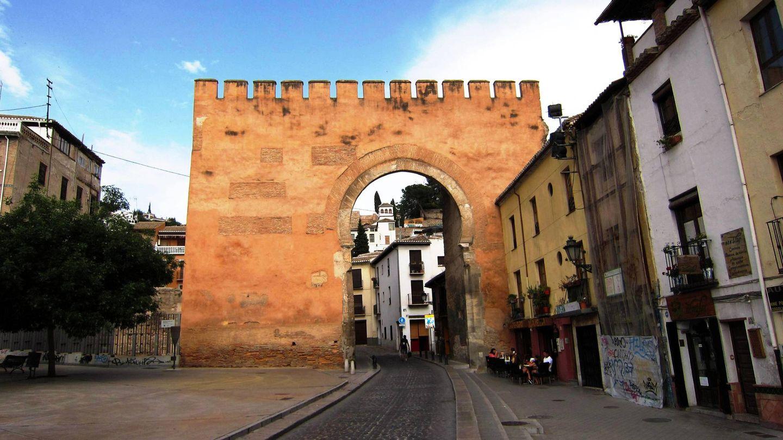 Puerta de Elvira, en Granada.