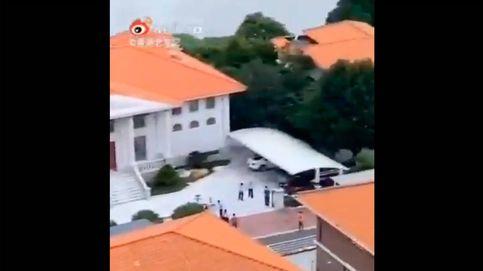 Intentan secuestrar a un millonario chino y su hijo escapa cruzando un río a nado