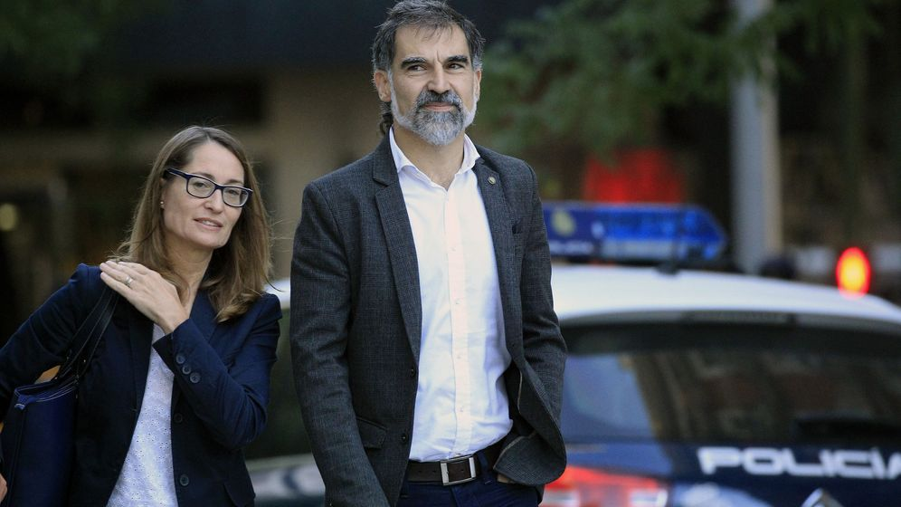 Foto: El presidente de Òmnium Cultural, Jordi Cuixart, a su legada a la Audiencia Nacional. (Efe)