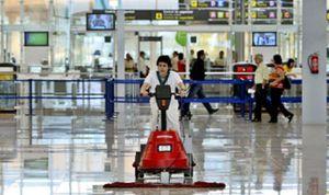 Spanair rescindirá el contrato con Marsans si persisten los paros del servicio de maletas en el Prat