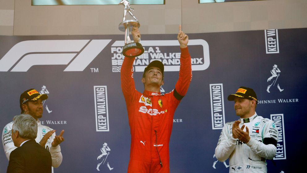 La dedicatoria especial de Leclerc en su primer triunfo en Fórmula 1 y el KO de Sainz