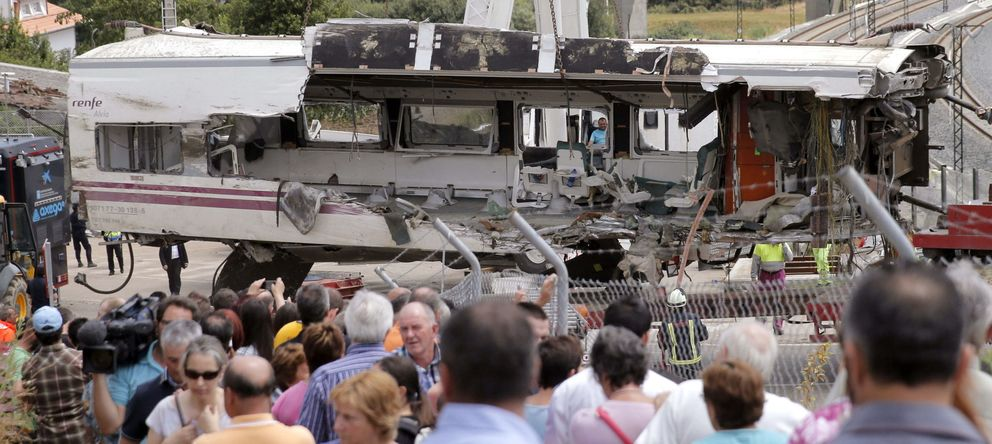 Foto: Retirada del tren descarrilado el año pasado.