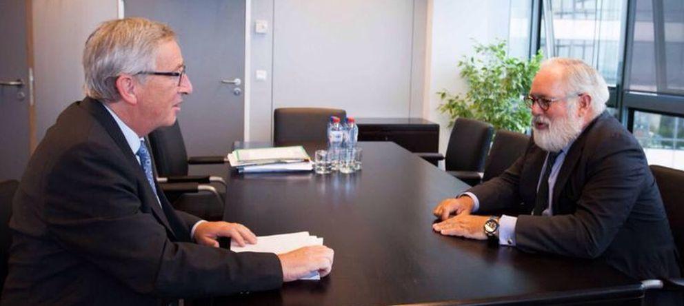 Foto: Jean-Claude Juncker, en una reunión con Miguel Arias Cañete (EFE)