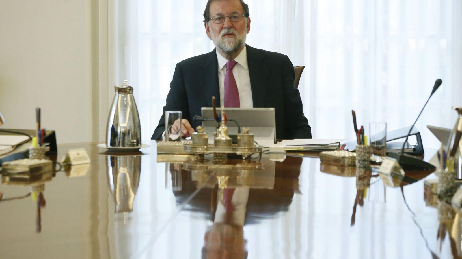 Foto: Mariano Rajoy pone a disposición de Cataluña todos los servicios de Estado tras el atentado (EFE)