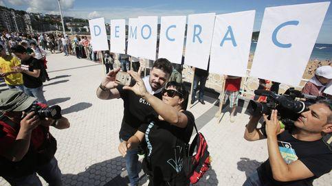 Rufián protagoniza la cadena humana soberanista en el País Vasco con PNV y Bildu