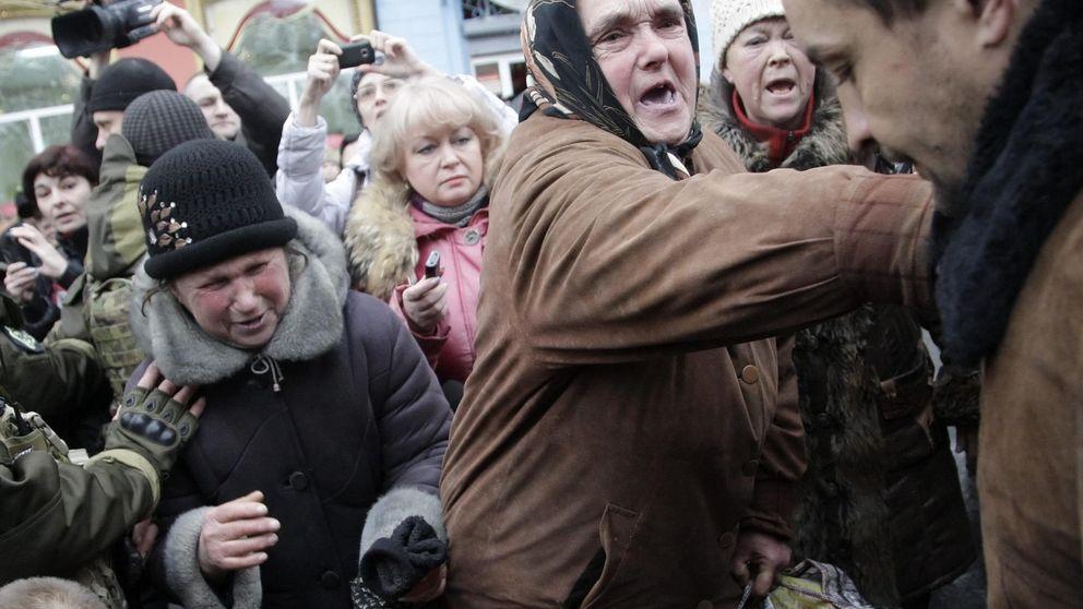 Intentan linchar a un ucraniano tras la explosión del autobús que dejó 13 muertos