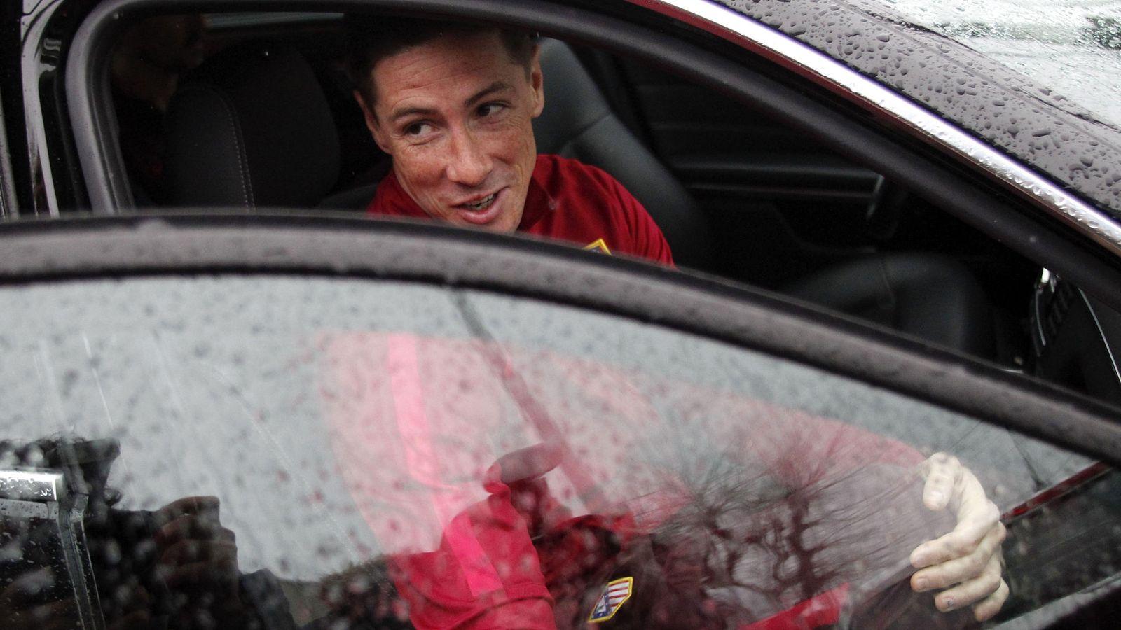 Foto: Fernando Torres, tras recibir el alta médica (EFE)