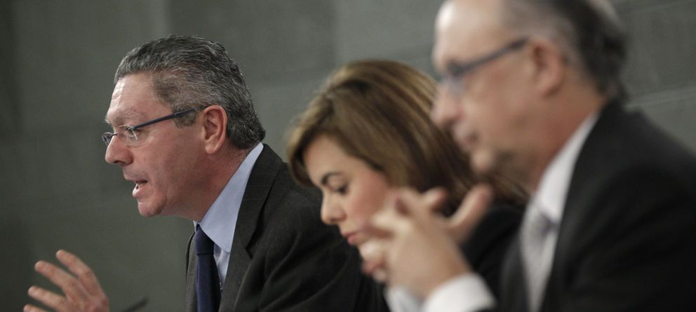 Foto: Alberto Ruiz-Gallardón explica la reforma tras el Consejo de Ministros. (Efe)