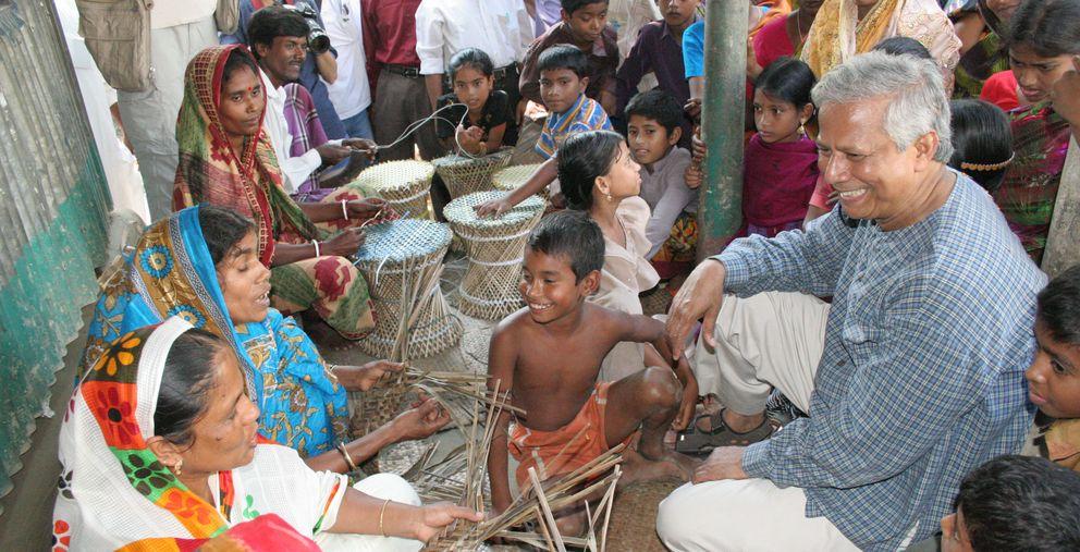 Foto: Muhammad Yunus, Premio Nobel de la Paz en el año 2006