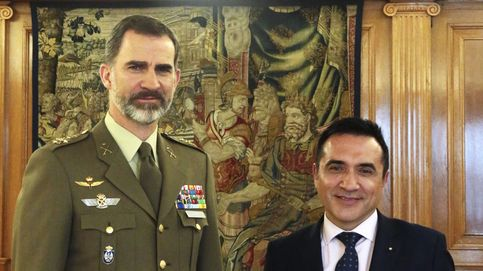 Felipe VI posa por primera vez como rey para el pintor amigo de Marisol