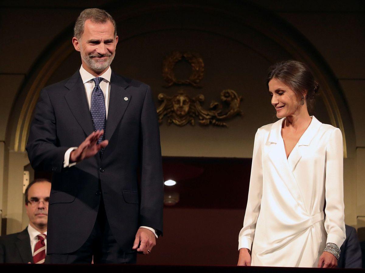 Foto: Los Reyes, en el estreno de la temporada 2019/2020 en el Teatro Real. (EFE)