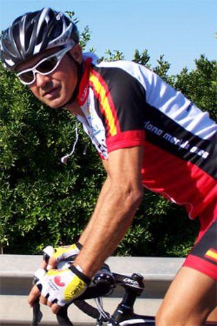 Foto: De arrastrar una botella de oxígeno a pedalear desde Valencia hasta Murcia