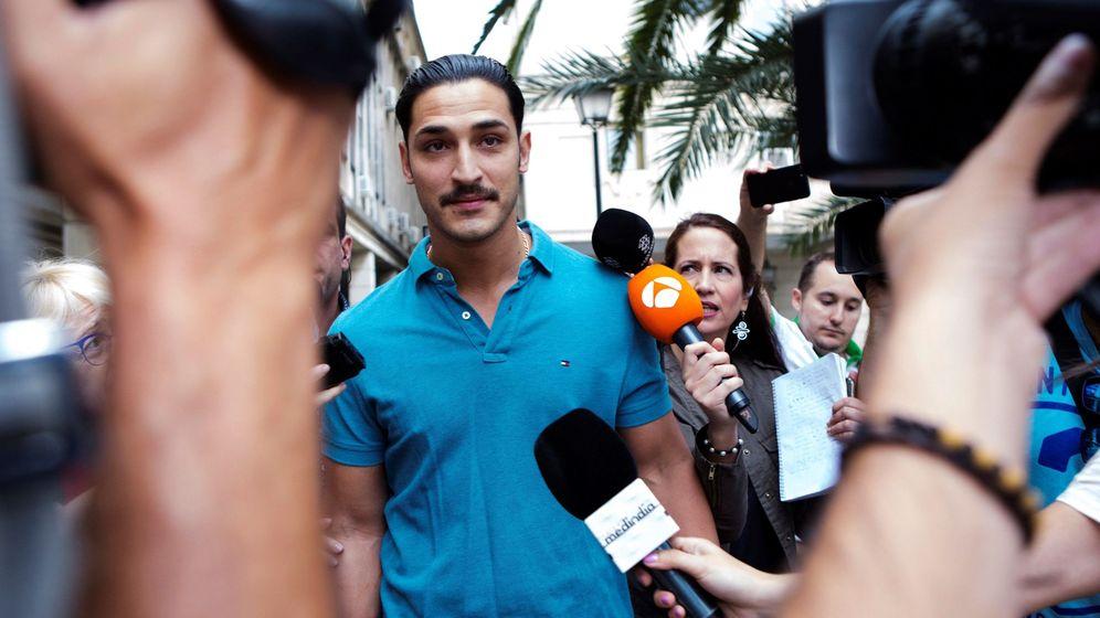 Los cinco condenados de 'La Manada' comparecen en los Juzgados de Sevilla