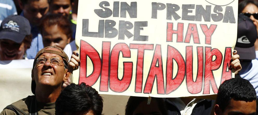 Foto: Protestas en Caracas a favor de la libertad de prensa. (Reuters)