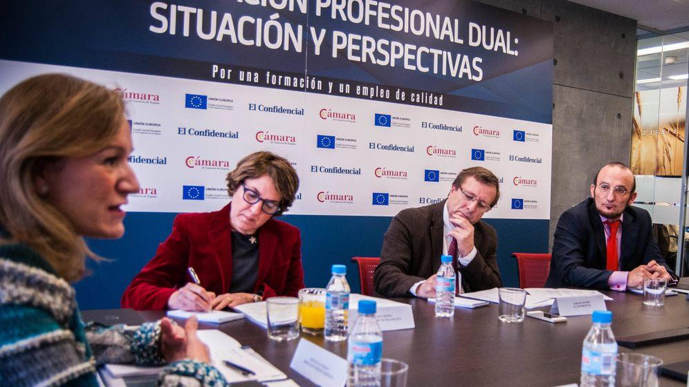 Foto: Debate sobre la Formación Profesional Dual. (Foto: Carmen Castellón)