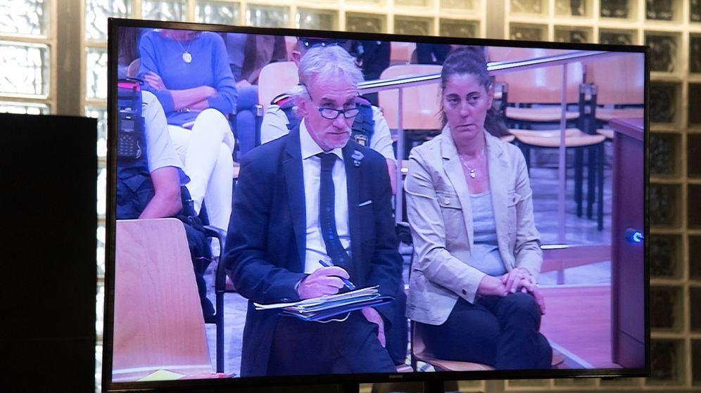 Foto: Vista de un monitor de la sala de prensa de la Audiencia de Lleida, durante el juicio. (EFE)