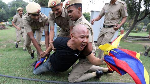 Protestas contra el 70 aniversario de China y Saura, una vida tras la cámara: el día en fotos