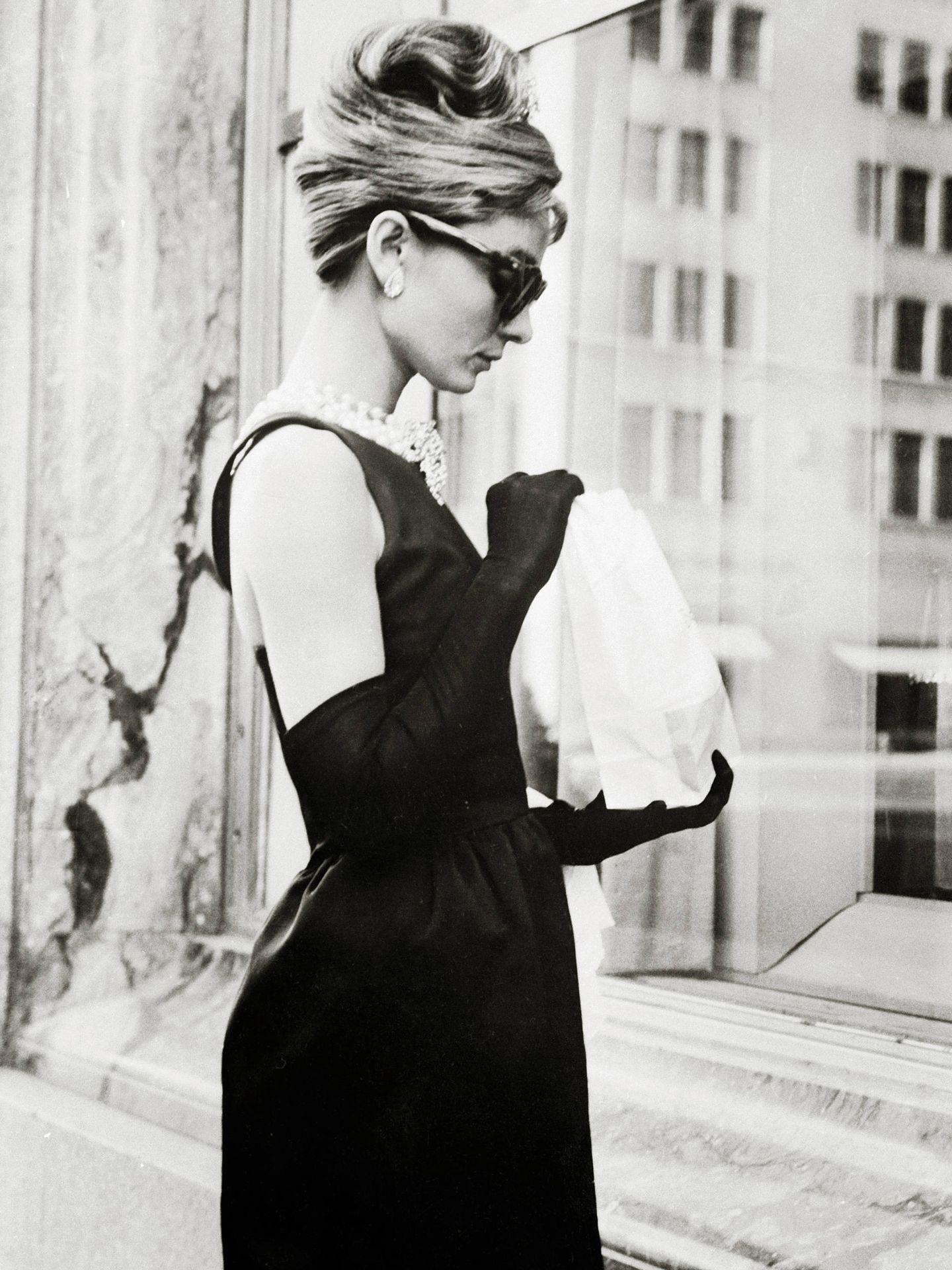 Audrey Hepburn en una escena de 'Desayuno con diamantes'.