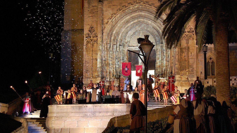 Representación actual de la proclamación de Fernando de Trastámara como rey. (Wikimedia Commons)