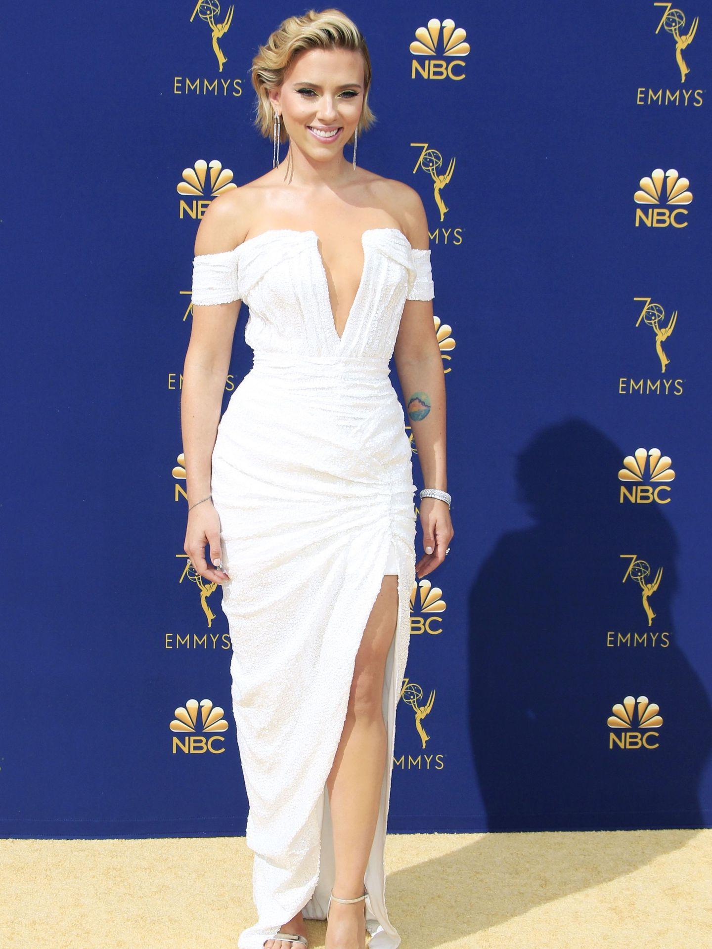 Scarlett Johansson en los Premios Emmy 2018. (EFE)