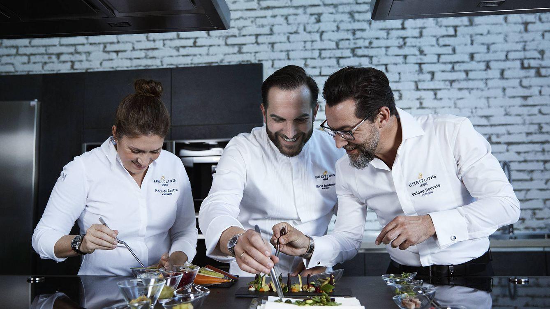Foto: Macarena de Castro, Mario Sandoval y Quique Dacosta, en el proceso de elaboración del menú Breitling.