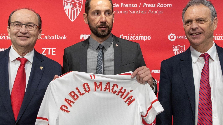 Caparrós mantiene una relación muy fluida con Pablo Machín, entrenador del equipo. (EFE)