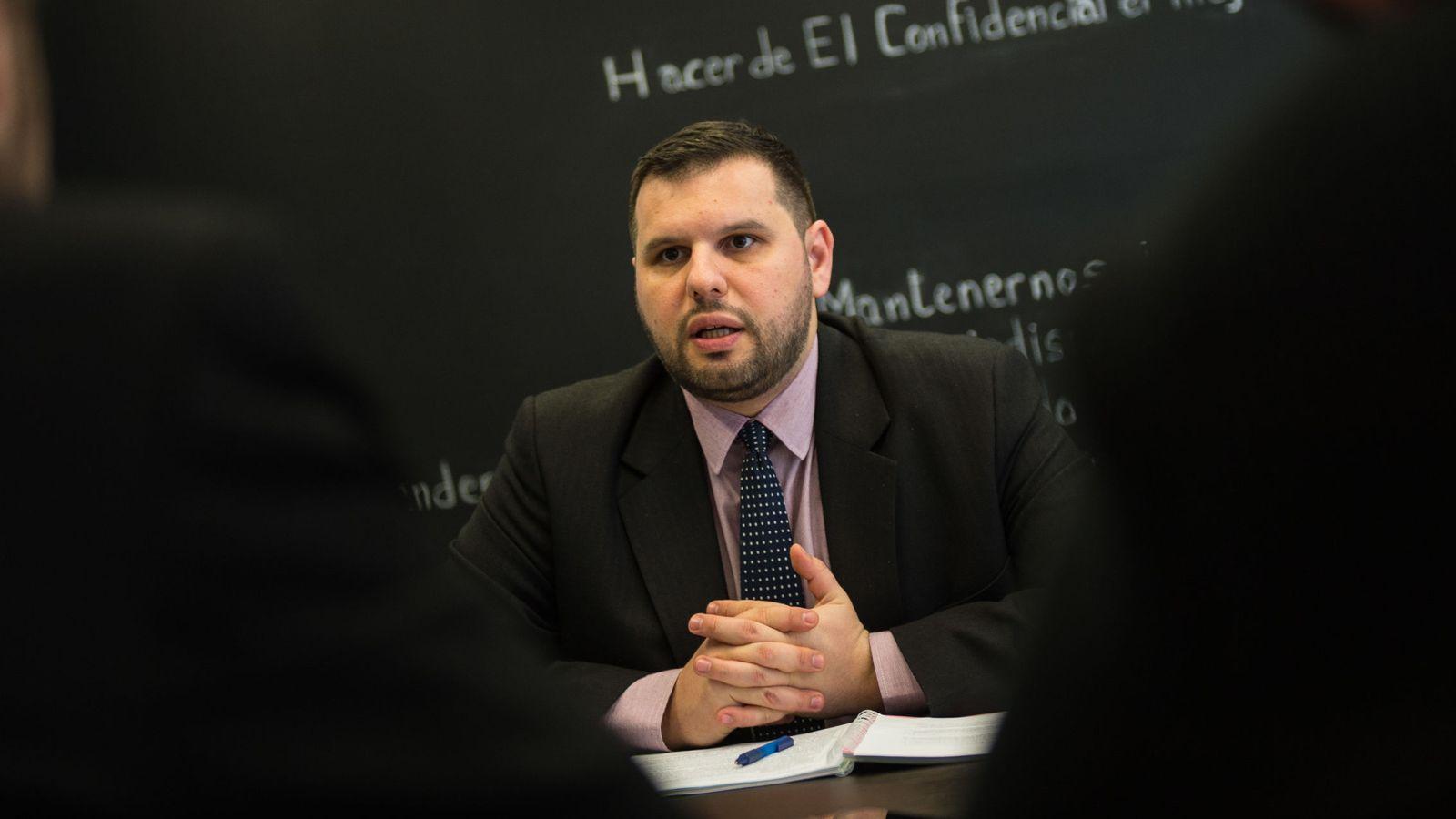 Foto: Dan Staonescu, durante su visita a El Confidencial (Pablo López Learte)