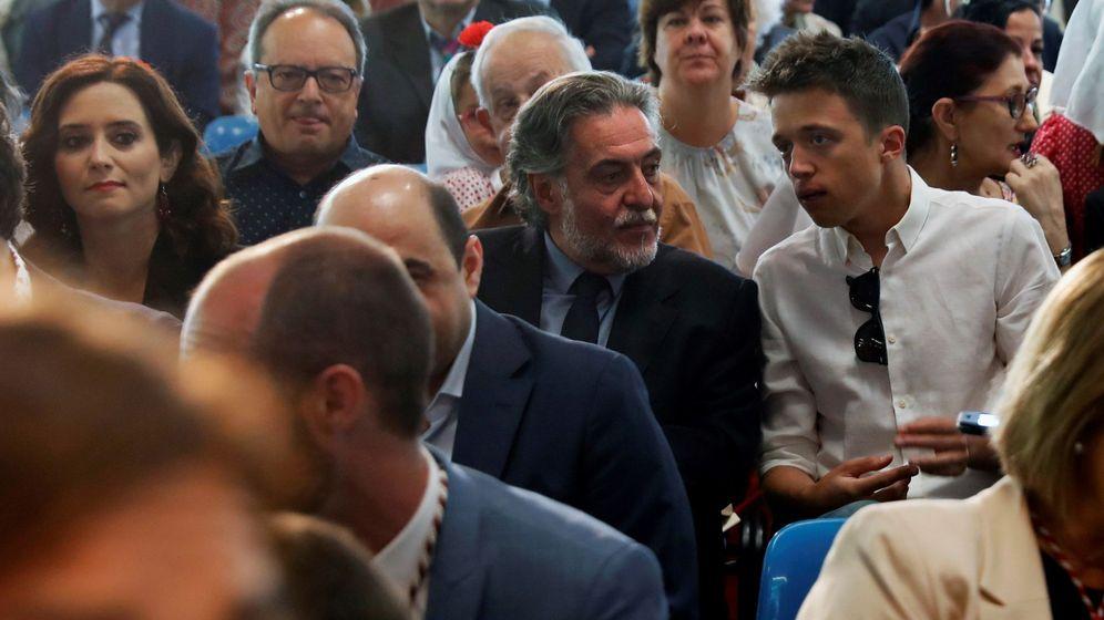 Foto: Los candidatos del PSOE y Más Madrid a ayuntamiento y comunidad, Pepu Hernández e Íñigo Errejón, en San Isidro. (EFE)