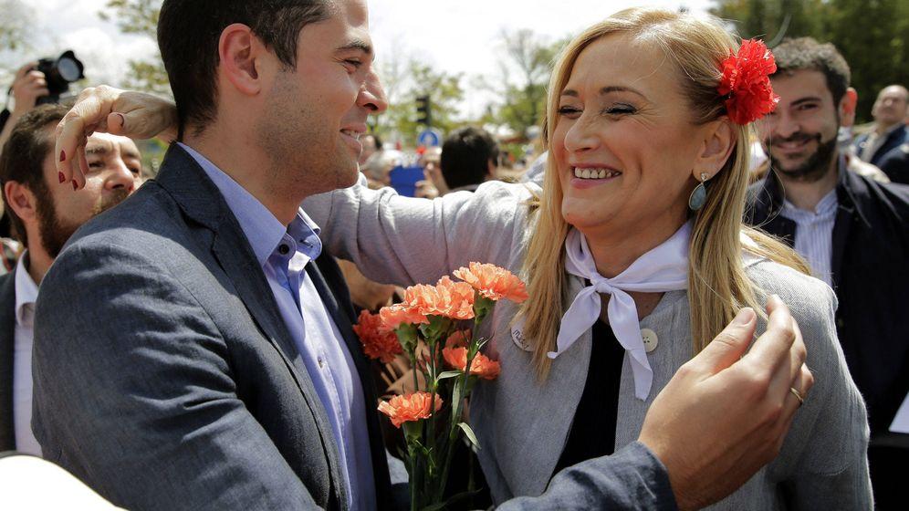Foto: Cristina Cifuentes saluda a Ignacio Aguado. (EFE)