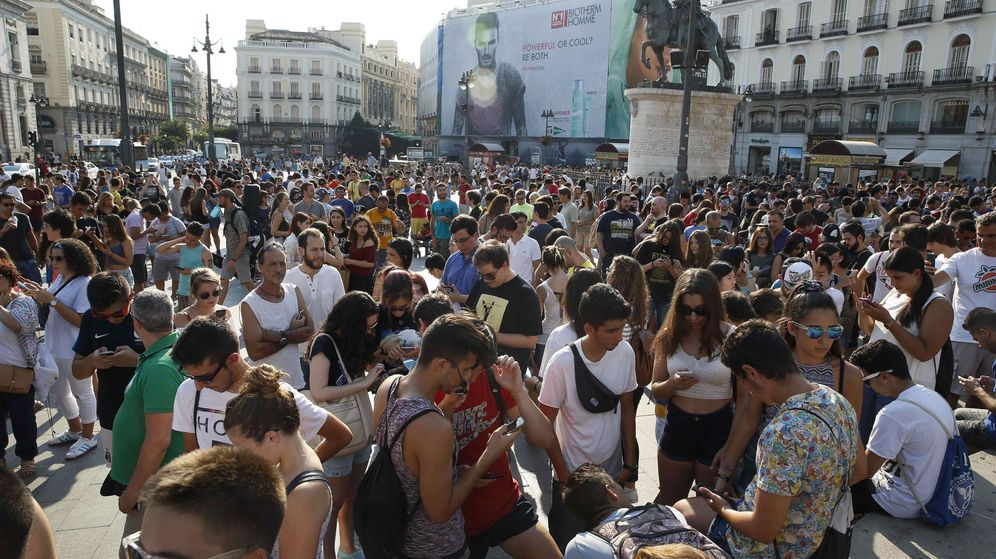 Foto: Quedada de Pokémon Go en Madrid. (EFE)