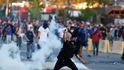 Piñera dice que Chile quiere vivir en paz, tras una noche de extrema violencia