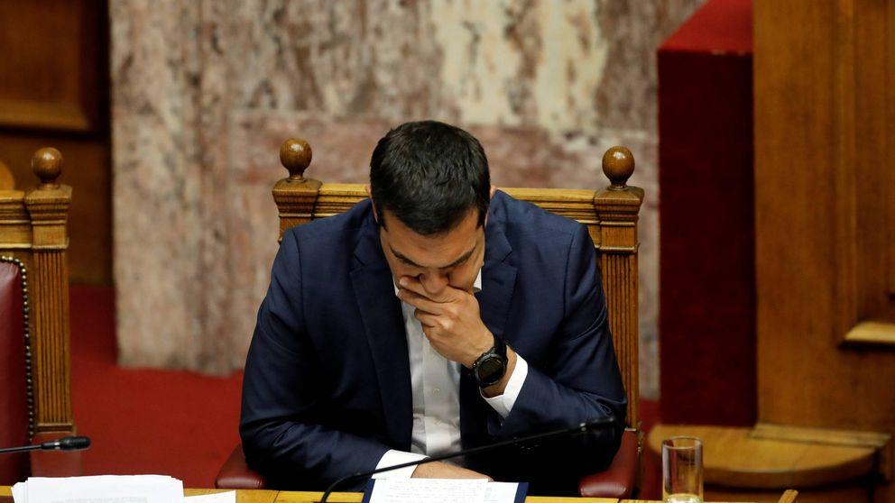 La derecha promueve la moción de censura contra Tsipras y los nazis un golpe de Estado
