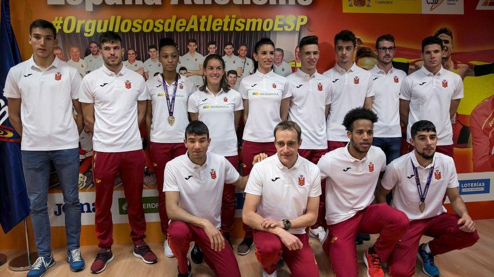 Foto: El equipo nacional de atletismo. (EFE)