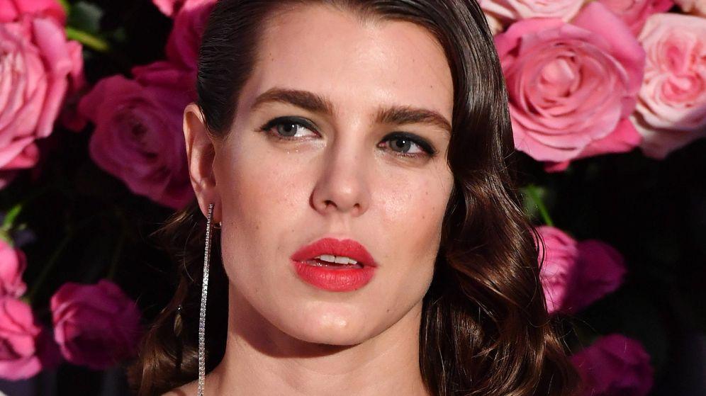 Foto: Es el tono que subirá tus looks, como a Carlota. (Getty)